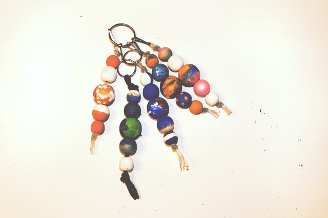 how to make keychains with beads and string