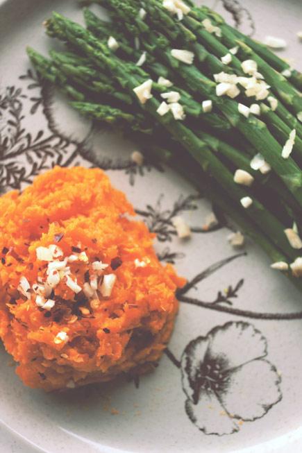 Garlic-Asparagus-with-Mashed-Sweet-Potato